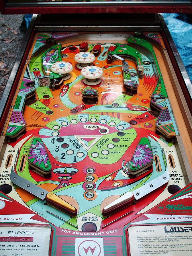 """tri zone pinball machine""  5 Must see vintage pinball arcades 5 must see vintage pinball arcades15"