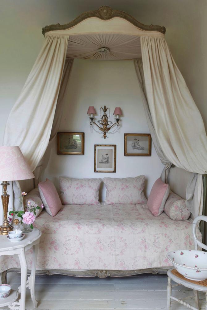Inspiring-interiors-showcasing-shabby-chic-style_designinvogue_5 copy  Inspiring Interiors Showcasing Shabby Chic Style Inspiring interiors showcasing shabby chic style designinvogue 5 copy