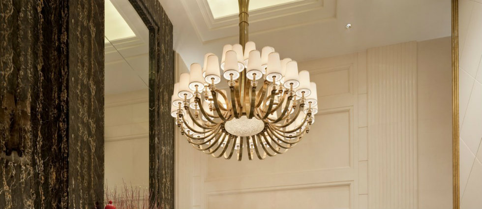 Best white chandeliers for hotel lobby