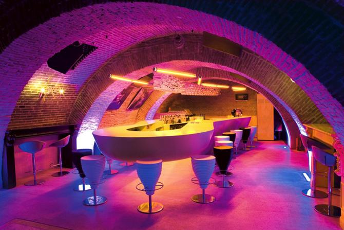 Evolution-Bar-Sebastian-Barlica-Bucharest  Top 5 Architectural Lighting for Bars Evolution Bar Sebastian Barlica Bucharest copy