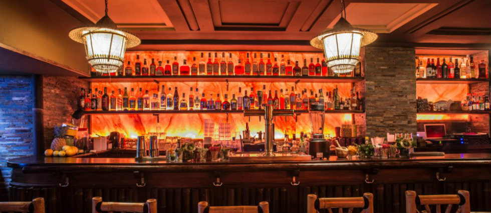 TOP 5 BARS WITH INDUSTRIAL LIGHTING IN PARIS Vintage Interiors Vintage Interiors : 10 amazingly retro cafes TOP 5 BARS WITH INDUSTRIAL LIGHTING IN PARIS featured