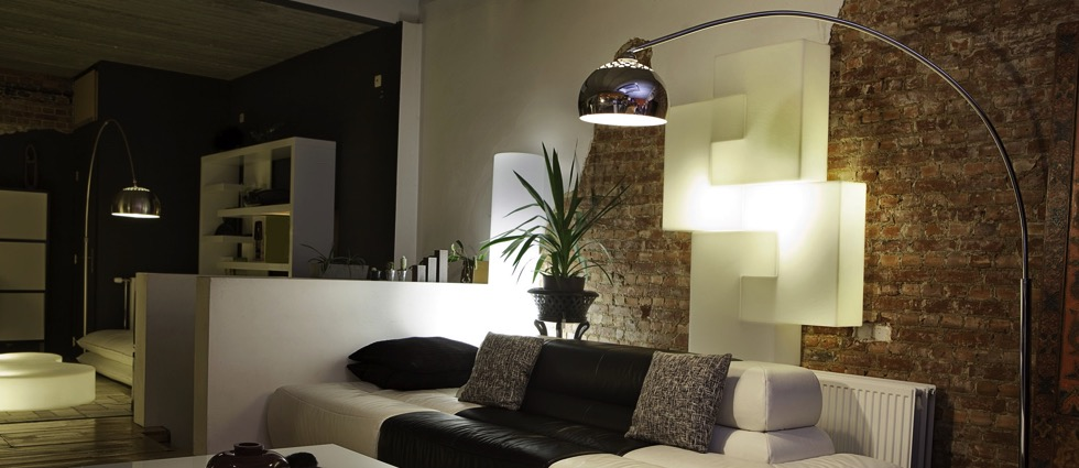 Rooms: Learn How To Mix Contemporary Lighting And Furniture