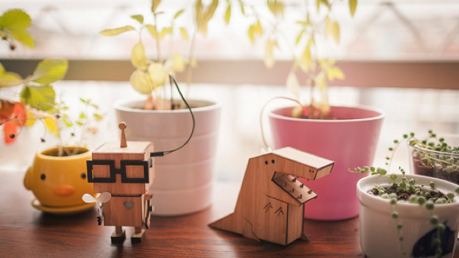 Wooden Figurines that Remind You To Water Your Plants