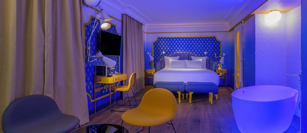 IDOL-HOTEL-SUITE-BLUE-SUNSHINE-3-PARIS-8