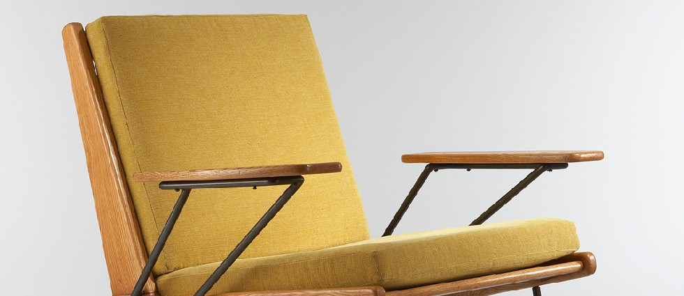 Vintage armchairs for living rooms