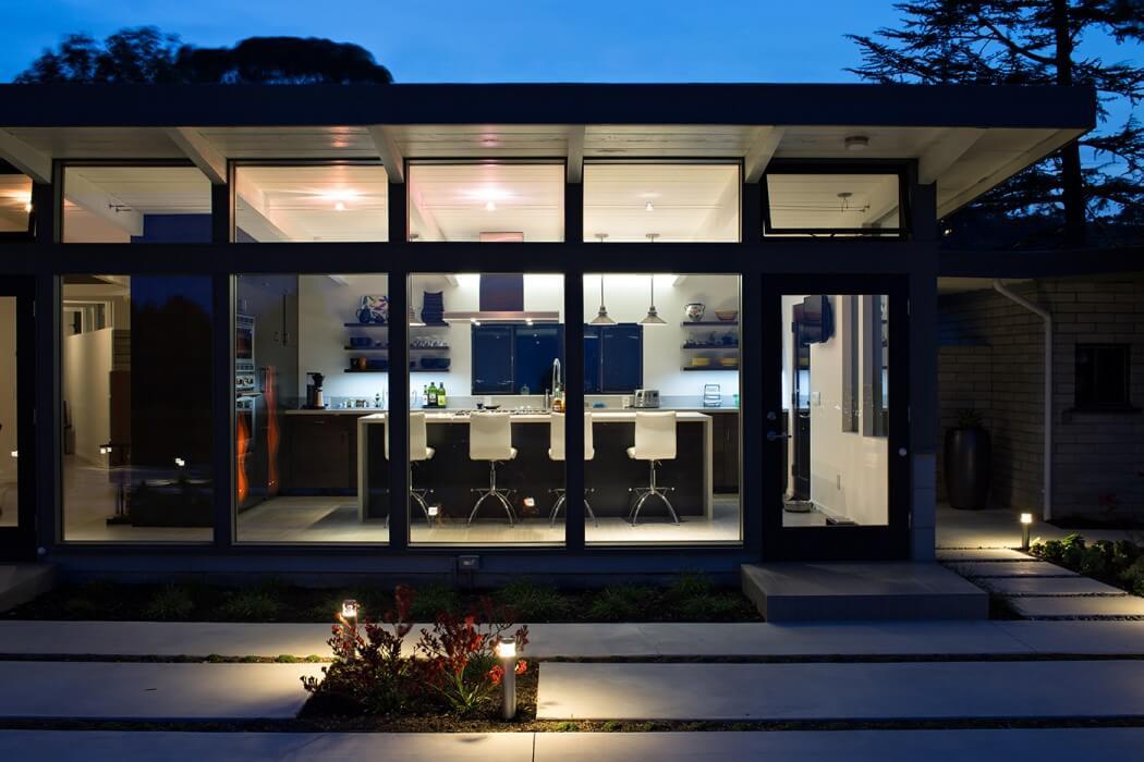 024-mid-century-modern-house-klopf-architecture-1050x700