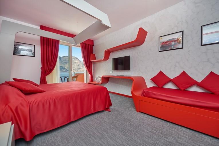 modern-hotel-6 Park Hotel Belfiore Original Themed Park Hotel Belfiore Celebrating 10 Italian Icons modern hotel 6 765x510