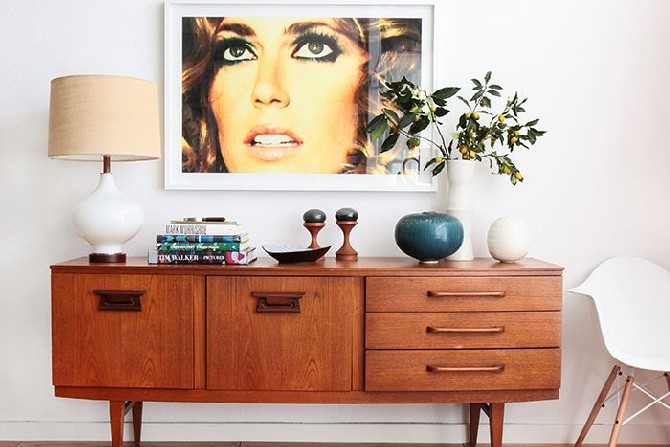 15 mid century modern living rooms mid century modern 15 Mid-Century Modern Living Room Design 15 mid century modern living room design Credenza Bold Mid Century Contemporary Style by Emily Henderson