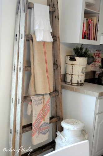 add some vintage accents to your vintage home 5