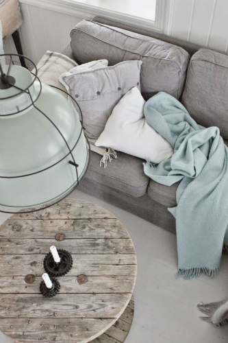 Learn how to get an industrial style using pastel colors 2