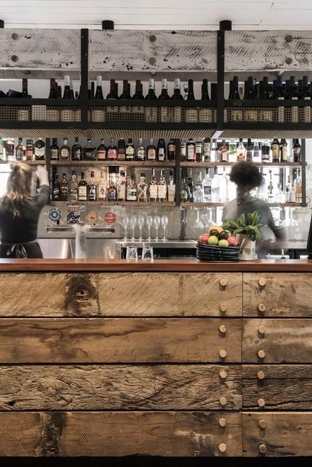 Inspiring Industrial Bar Decoration industrial bar Inspiring Industrial Bar Decoration Image000045