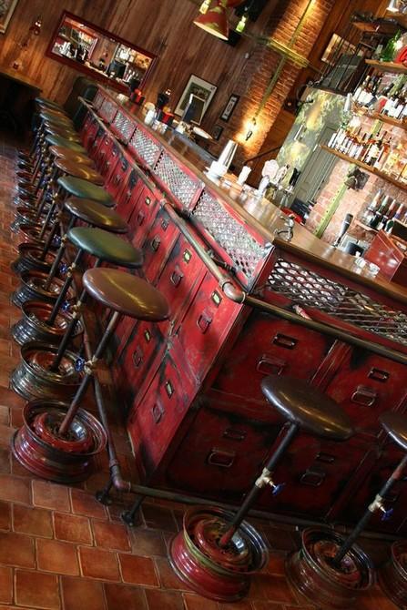 Inspiring Industrial Bar Decoration industrial bar Inspiring Industrial Bar Decoration Image000063