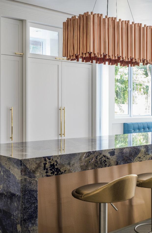 Modern Kitchen with a vintage lighting design
