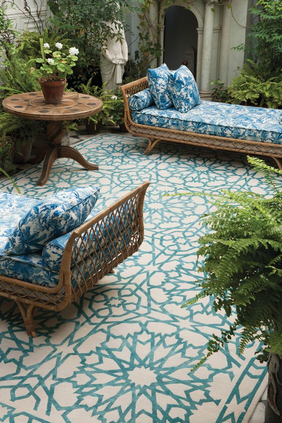 The Best Outdoor Rugs For Your Vintage House