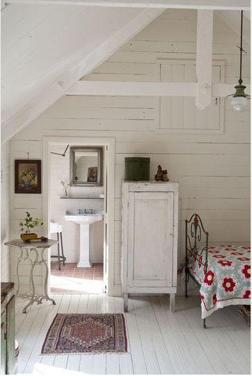 Get a remarkable vintage  attic Get a remarkable vintage attic d5956c1838c4f97ed59ad54b010230cb