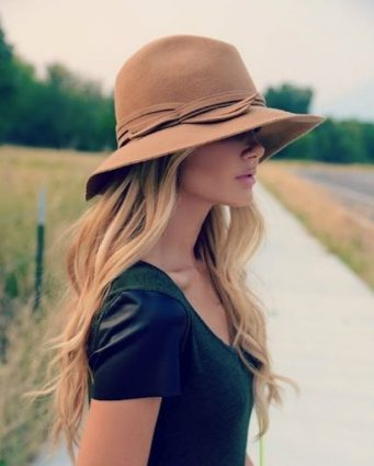 vintage fashion 5 timeless vintage fashion pieces to wear this Summer! 5 timeless vintage fashion items to wear this Summer daytime hats2 341x425