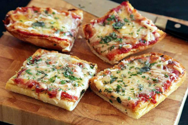 A trip to the 80's with some retro recipes | French Bread Pizza