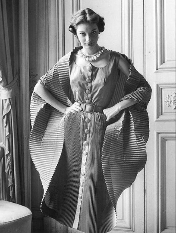 Most Iconic Designers |Elsa Schiaparelli