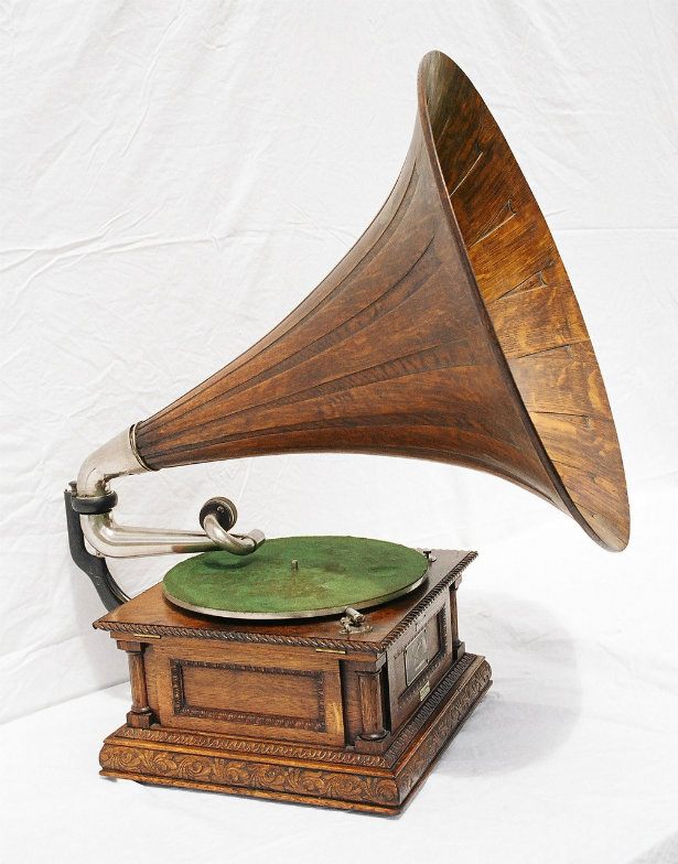 Old Technology: Vintage Music Players | Gramophone