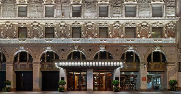 Paramount Hotel: A New York Landmark paramount hotel Paramount Hotel: A New York Architectural Landmark Paramount Hotel A New York Landmark 2