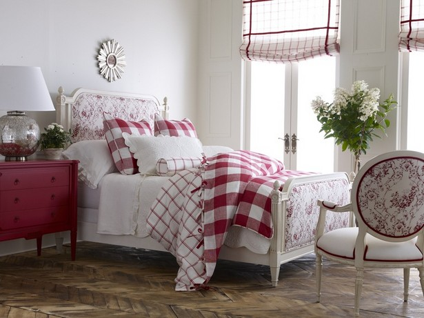 Red Alert! How to decorate with white and red Red Alert! How to decorate with white and red