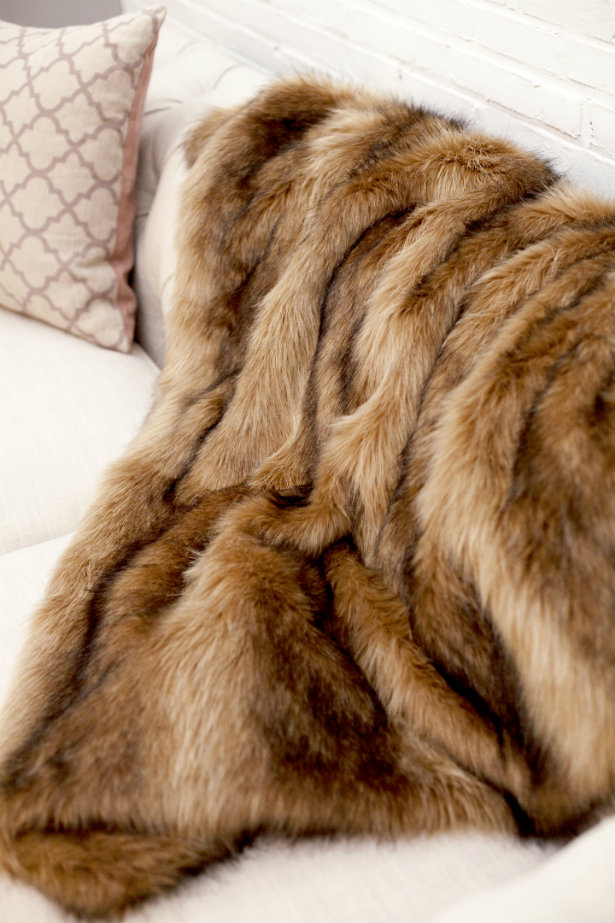 TRENDING: Faux fur all over the place! faux fur TRENDING: Faux fur all over the place! TRENDING Faux fur all over the place 5