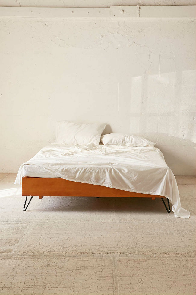 Charming mid-century-modern bed by Urban Outfitters Mid-century modern Charming mid-century modern bed by Urban Outfitters charming mid century modern bed 0