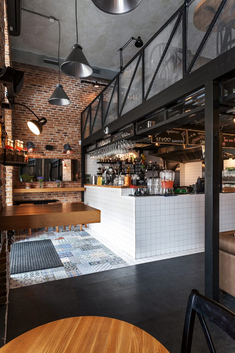 Vintage Industrial Bar and Restaurant Designs