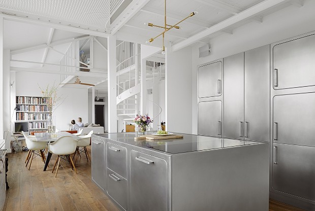An Industrial Style Kitchen in Romantic Paris You'll Love industrial style kitchen An Industrial Style Kitchen in Romantic Paris You'll Love An Industrial Style Kitchen in Romantic Paris You   ll Love 9