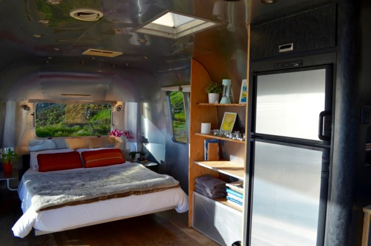 Vintage Airstream with Sweeping Views in Malibu 8