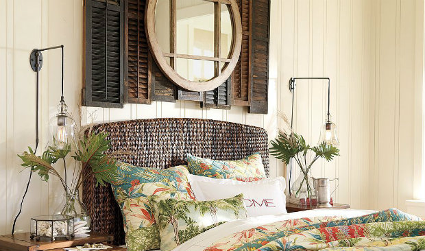 How to Use Vintage Shutters on Your Walls FEAT