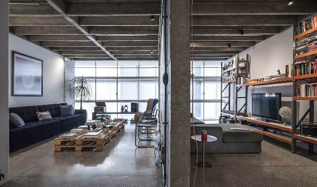 Meet this Brazilian Industrial Apartment