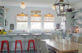 Mid-Century Design Kitchen Designs That'll Make a Statement