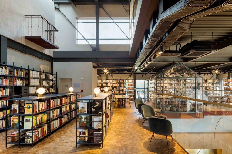 Cook Library in Seoul Features Marble Countertops & Industrial Lamps  cook library Cook Library in Seoul Features Marble Countertops & Industrial Lamps Cook Library in Seoul Features Marble Countertops Industrial Lamps 5