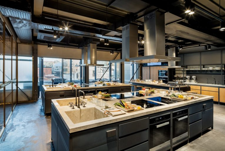 Cook Library in Seoul Features Marble Countertops & Industrial Lamps  cook library Cook Library in Seoul Features Marble Countertops & Industrial Lamps Cook Library in Seoul Features Marble Countertops Industrial Lamps 8