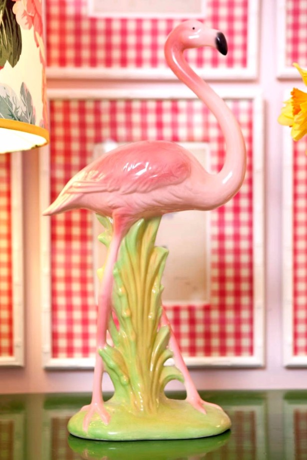 vintage style Vintage Style: Feel the Iconic Pink Flamingo Vintage Style Feel the Iconic Pink Flamingo 4