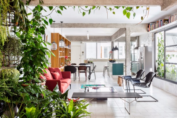 Discover This Vintage Industrial Apartment Style in Brazil