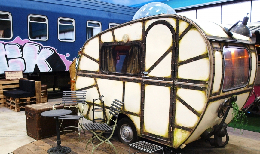 Quirky and Affordable Vintage Caravans to Spend the Night  vintage caravans Quirky and Affordable Vintage Caravans to Spend the Night Quirky and Affordable Vintage Caravans to Spend the Night 5
