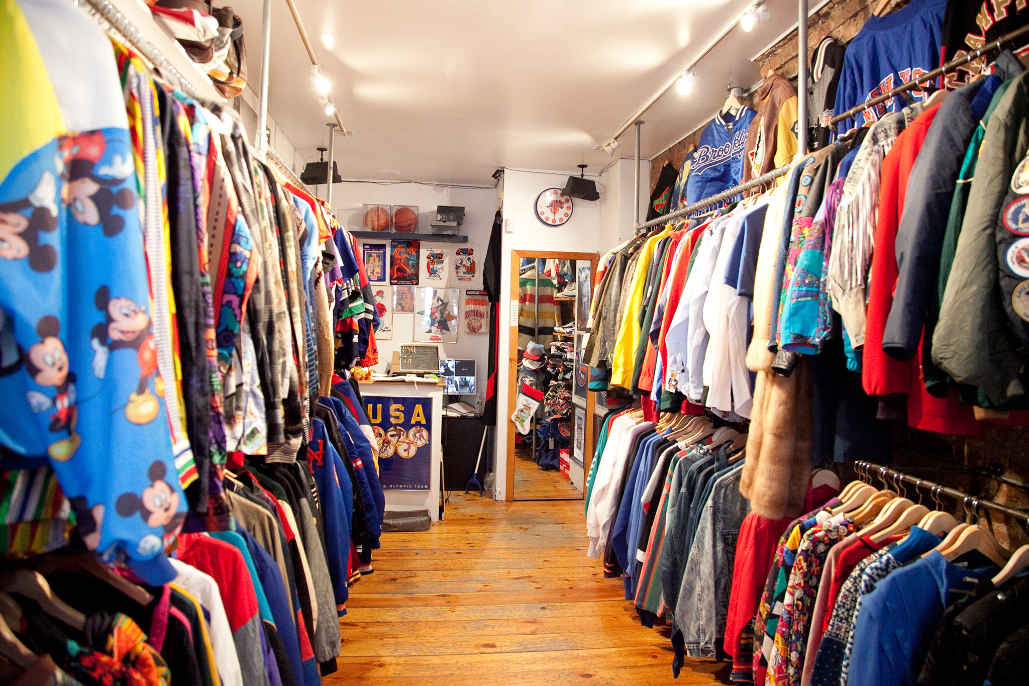 c33db85e698 Best Vintage Stores for the Lovers of a Retro Feeling best vintage stores  Best Vintage Stores