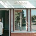 La Glace Ice Cream Shop With Vintage Interior Design