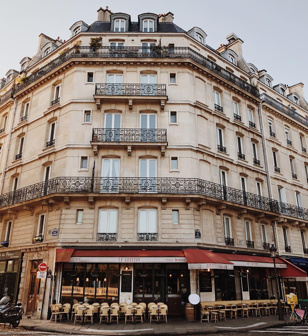 The French Café Scene You Need To Visit When in Paris! 1