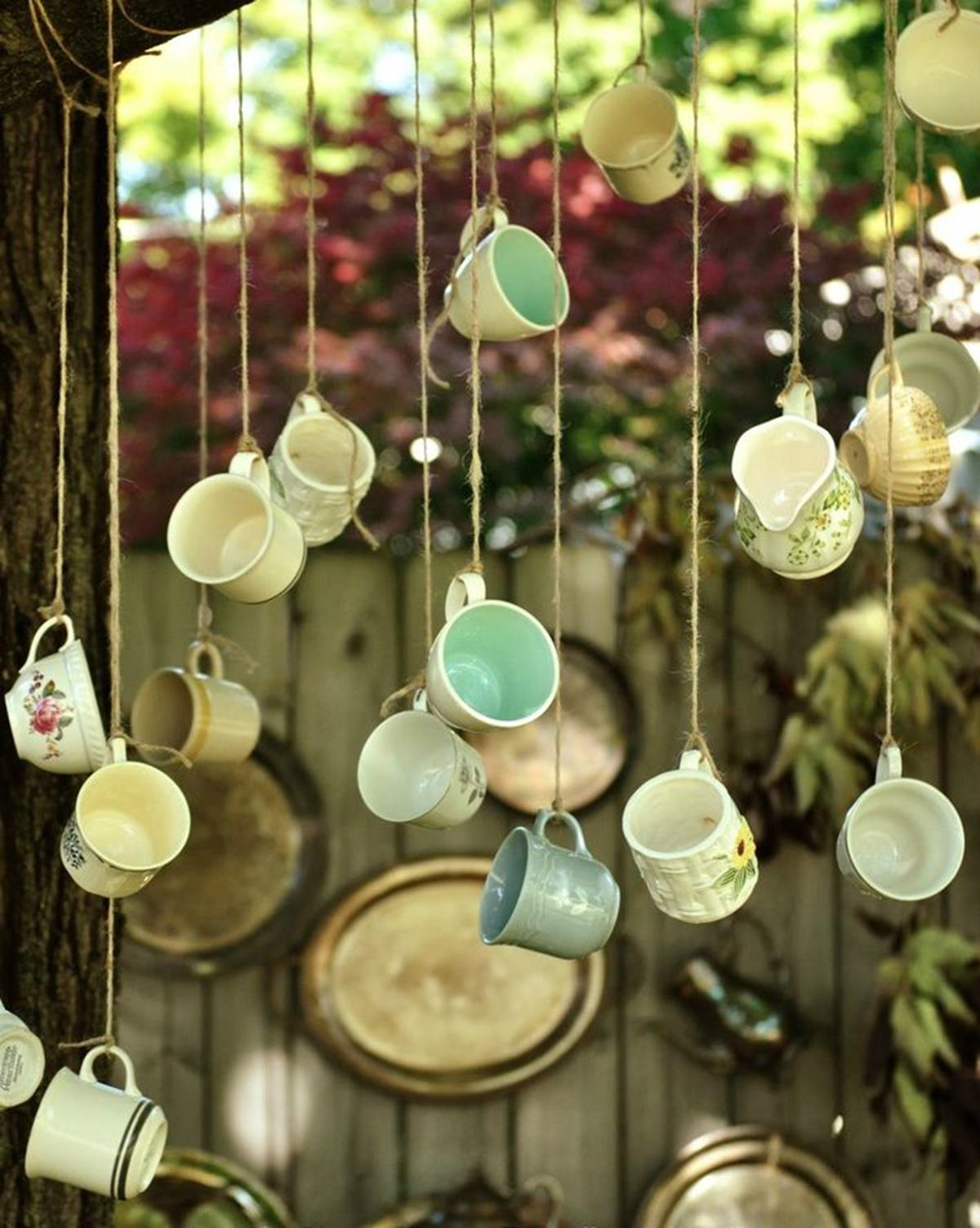The Secrets Behind a Beautifully Done Vintage Garden Decor