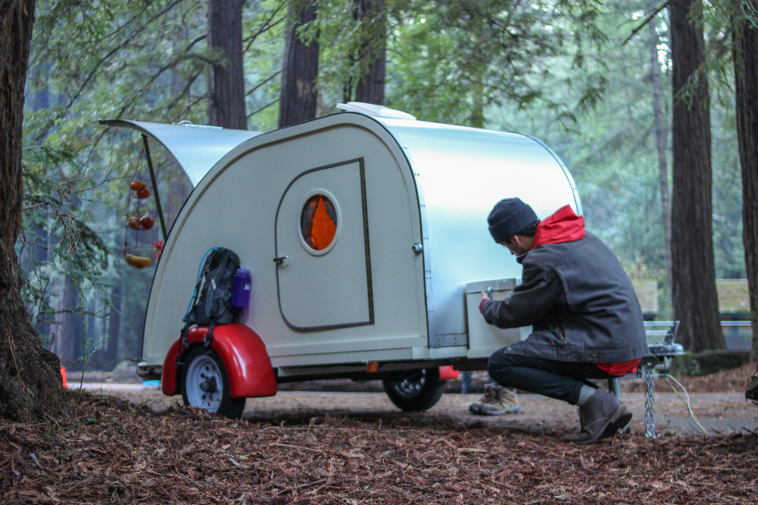 Get On An Adventure With This Vintage Teardrop Trailer! 4