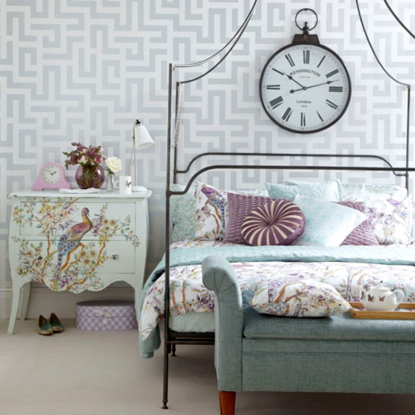 Create the Perfect Vintage Bedroom! 4
