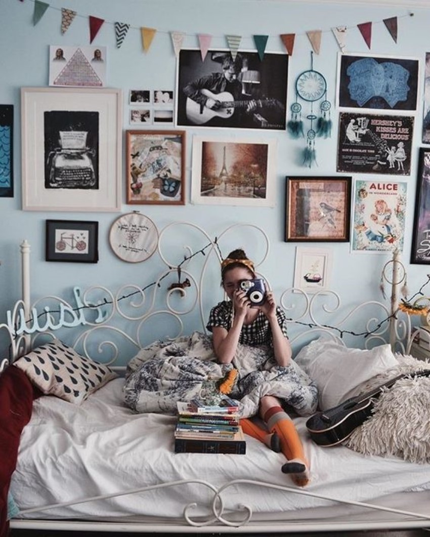 What Is Hot On Pinterest: 7 Vintage Bedroom Décor!