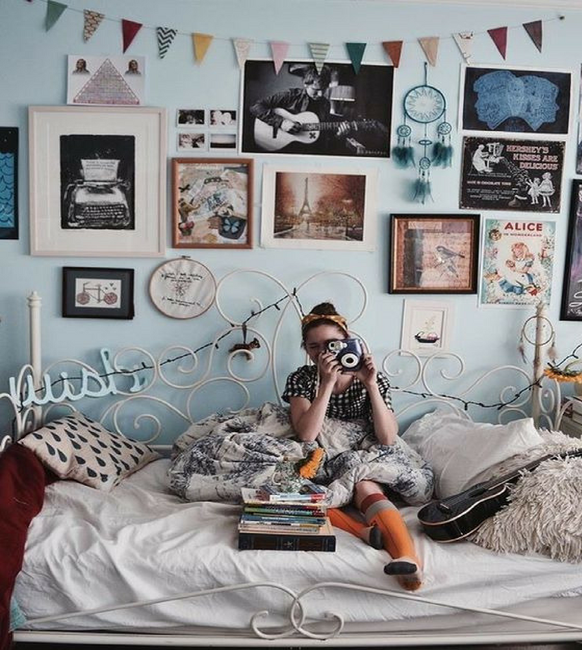 Turn Your Normal Room into... A Vintage Bedroom Design!