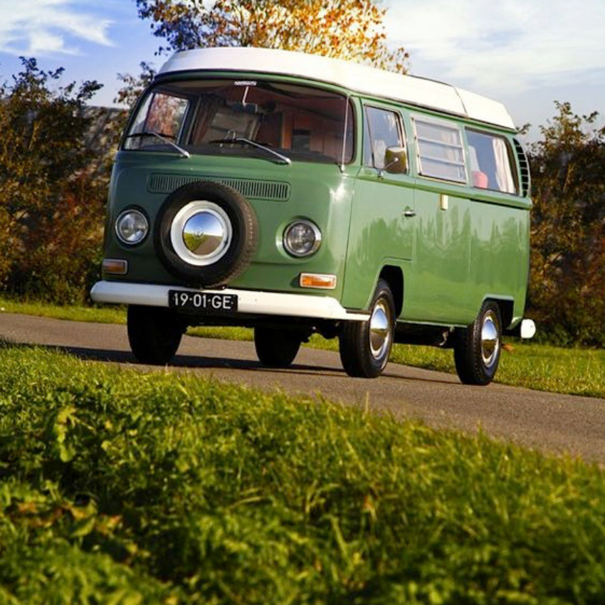 Vintage Style For Today_ Camper Vans to Travel are The Best! (2)